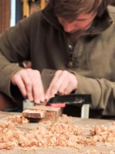 Kaabitsaga vana viimistluskihi eemaldamine